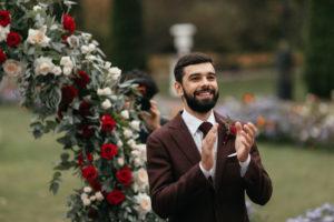 image 216 Первая встреча жениха и невесты в свадебный день.