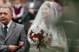image 219 Первая встреча жениха и невесты в свадебный день.